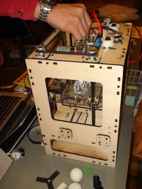 このプリンターに関してはロボコン部品ガイド2011年版に私も記事を書いております。