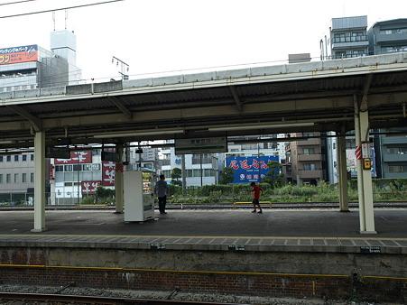 東神奈川駅の煉瓦のホーム