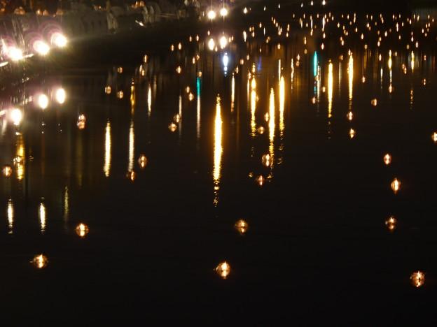 運河を照らす光