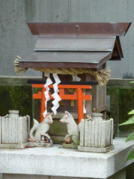 稲荷社(屋敷神 台東区池之端) 3