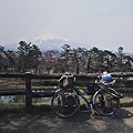 弘前城より岩木山を望む
