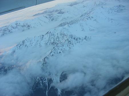 雲海から出た日本アルプスの山々(2)