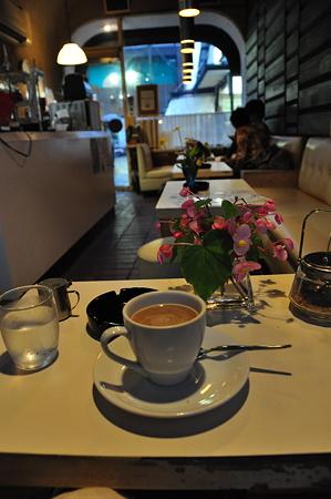 北鎌倉 今に残る昭和喫茶「門」