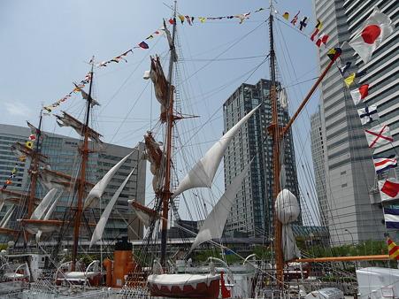 100429-日本丸 総帆展帆-93
