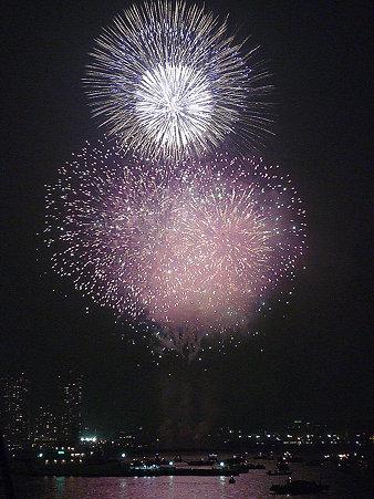 100801-横浜花火3 (424)