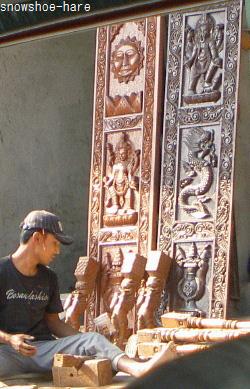 ネワール様式の彫刻らしい