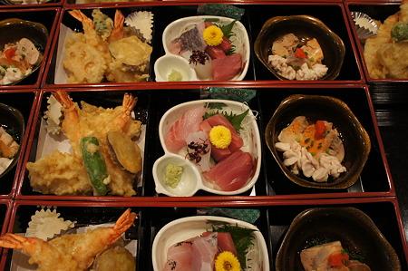 天ぷら、お造り、酢の物