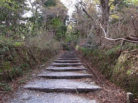 c-110506-075527 最初の長い階段