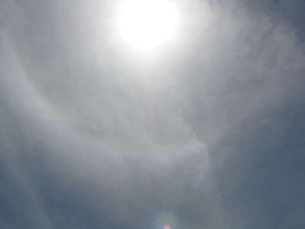 日暈(ハロ)